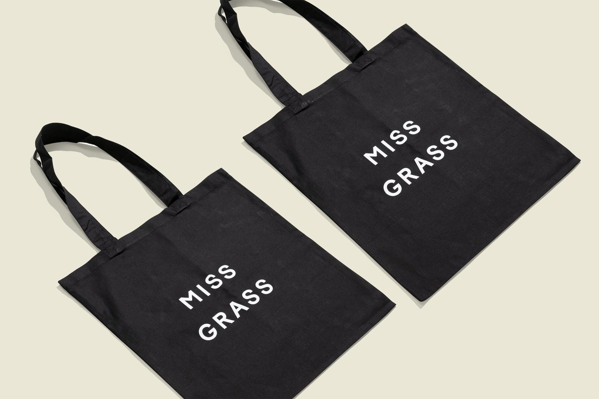 Vedros_MissGrass_Totes